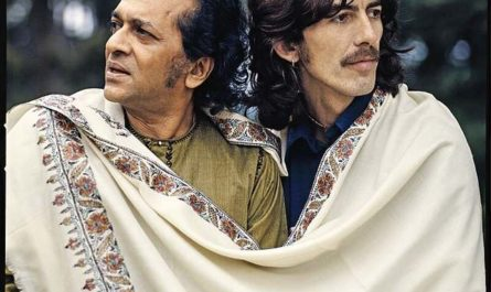 Indian Odyssey: El universo de Ravi Shankar. The Beatles en la India