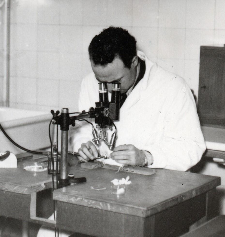 Antonio Chamorro un discreto científico comprometido con la República que terminó exiliado en Francia