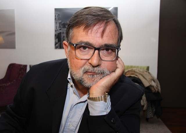 José Calvo Poyato: 'Soy de los que piensan que una novela no está nunca acabada. Siempre se puede afinar un detalle. Matizar algo…'