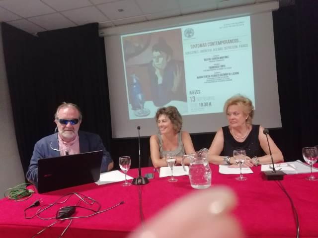 Foto con invitados en Radio La Barandilla