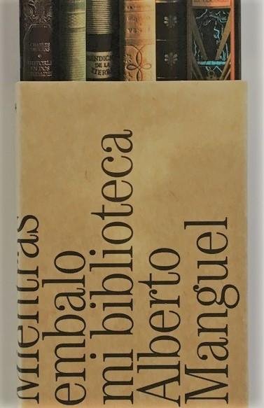 'Mientras embalo mi biblioteca' de  Alberto Manguel