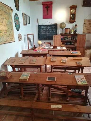Reconstrucción de una clase de escuela